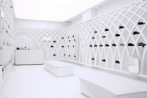 Munich-flagship-store-by-DearDesign-Santiago